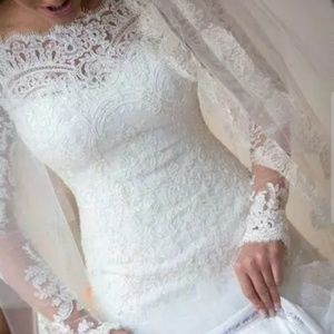 Dresses & Skirts - 💎👰🏼👰🏼CHANTILLY LACE WEDDING GOWN 👰🏼👰🏼💎